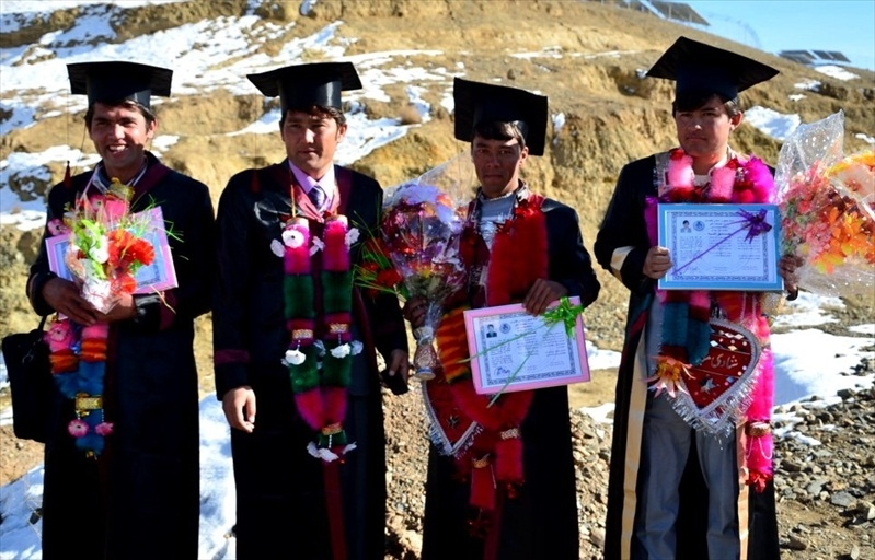 bamyan_univ_graduation_2013__020