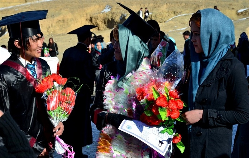 bamyan_univ_graduation_2013__030