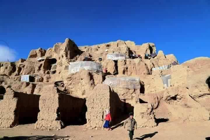 Hazaras-forced-in-BamiyanBuddha-caves-2016-02