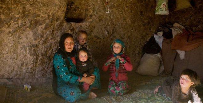 Hazaras-forced-in-BamiyanBuddha-caves-2016-06