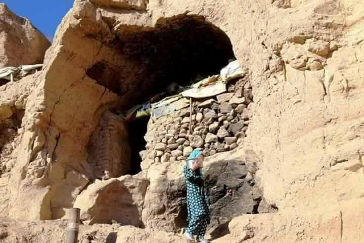 Hazaras-forced-in-BamiyanBuddha-caves-2016-10