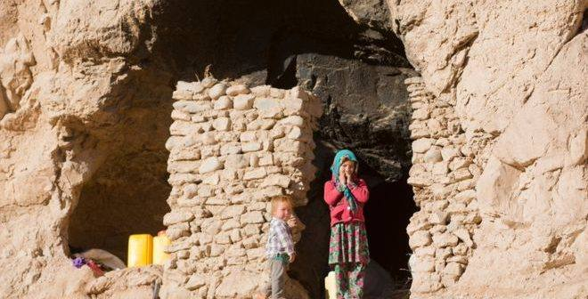 Hazaras-forced-in-BamiyanBuddha-caves-2016-11