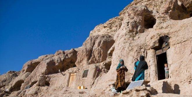 Hazaras-forced-in-BamiyanBuddha-caves-2016-14