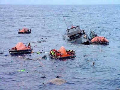 boat-capsize-off-australia-06092013