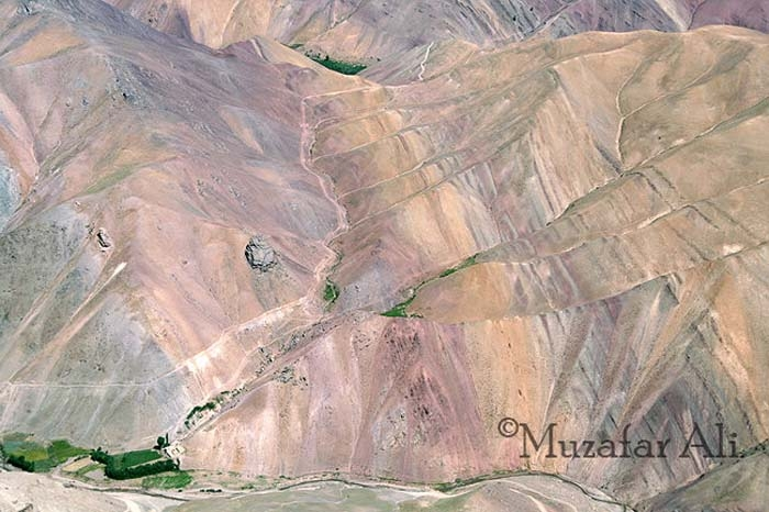 bamyan-colorful-mountain-in-panjao-district