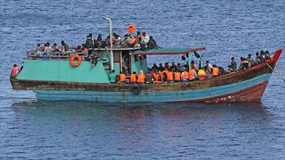 australia-refugee-boat